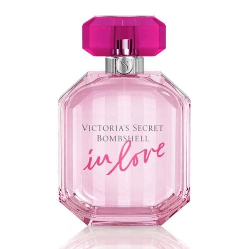 Victoria`s Secret Bombshell In Love